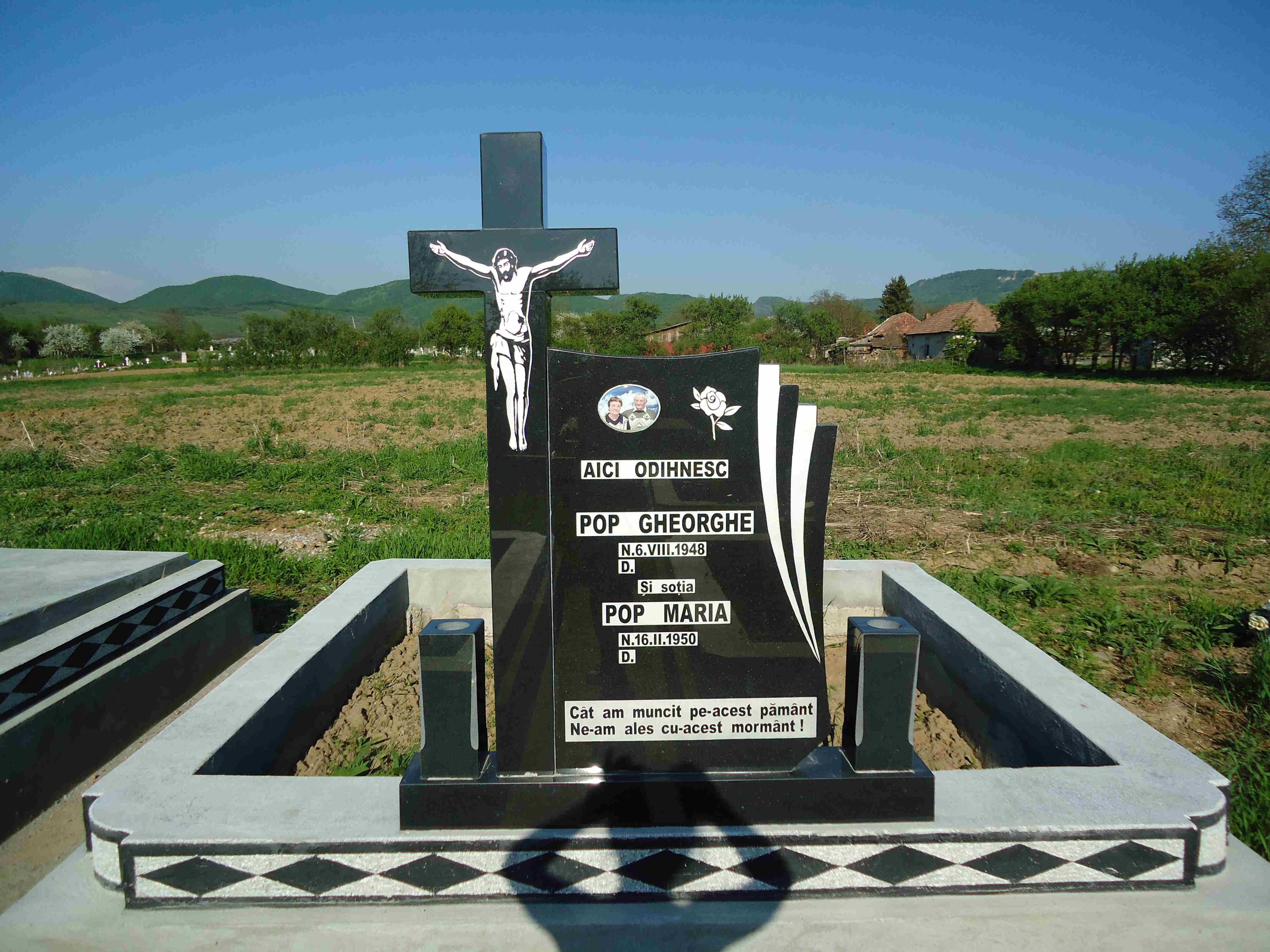 Monument +Cruce Granit+Bordura Romb Lucrare  3