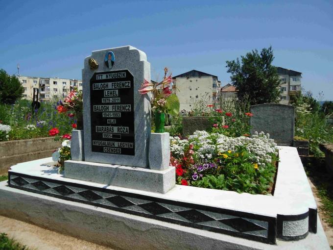 Monument-Funerar-Mozaic-Model-8