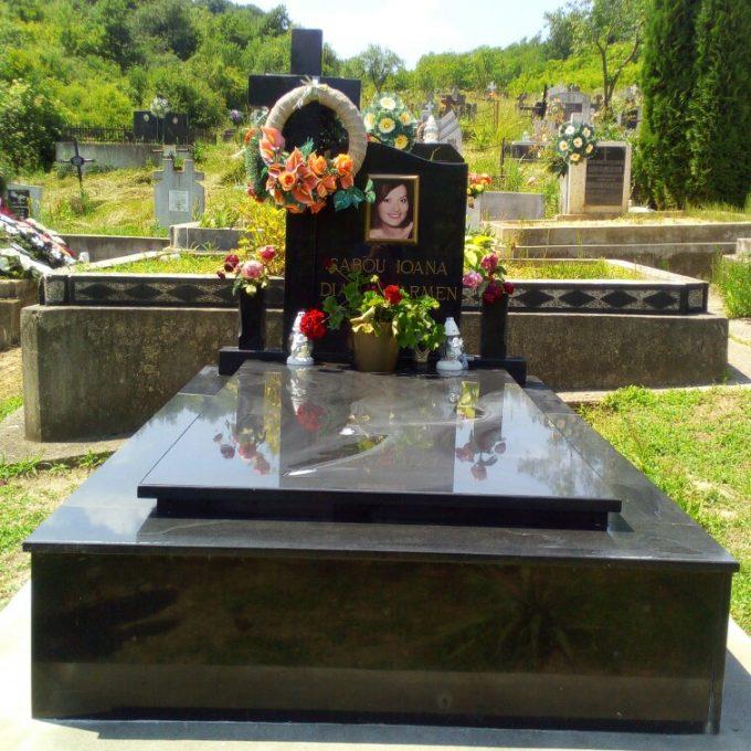Monument Funerar Cadru din Granit Negru 4