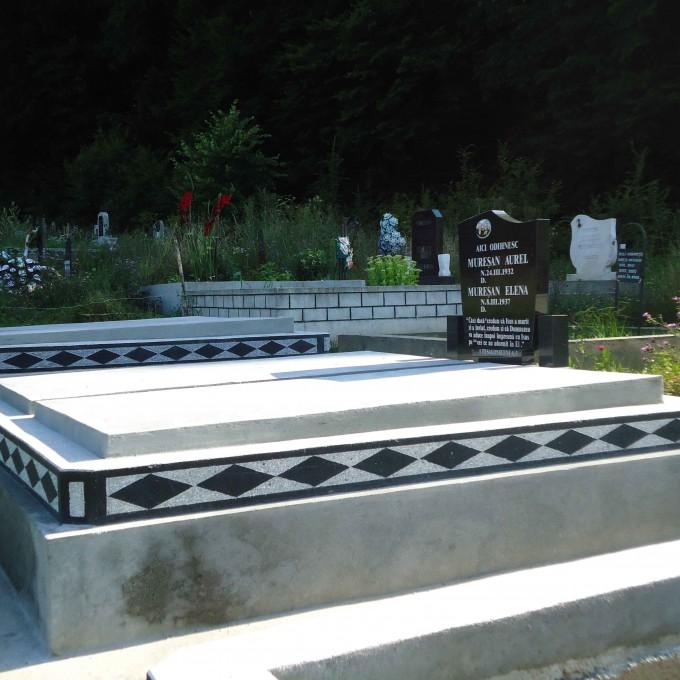 Monument +Capace Mozaic+Cruce Granit+Bordura Romb Lucrare 4