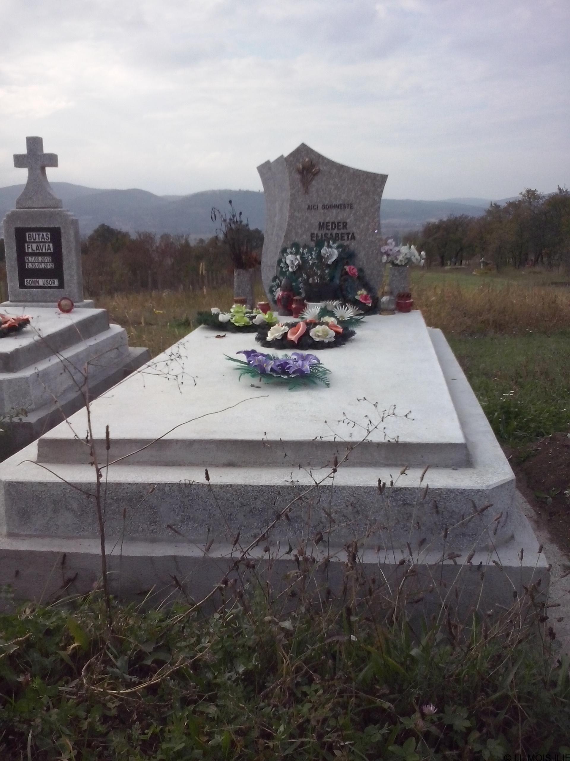 Monument +Cruce Granit+Bordura Simpla Lucrare 7.1
