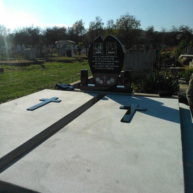Monument +Cruce Granit+Capace Model 8