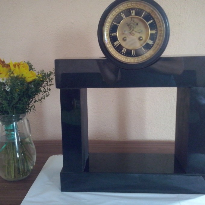 Suport orologiu din Granit 1