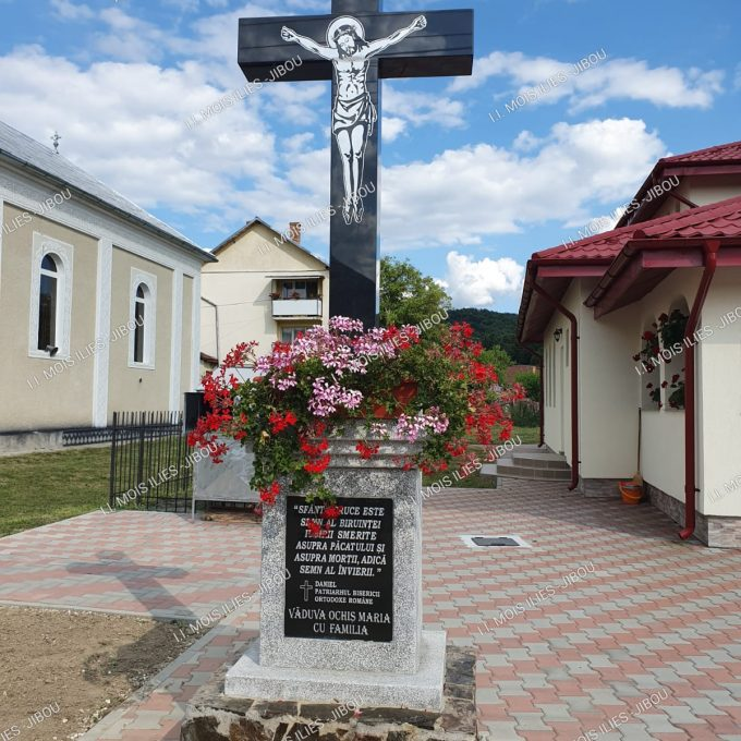 Inaltare placata cu cruce din granit model 27